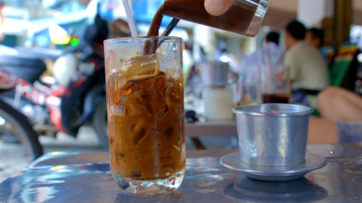 Luke Nguyen's Street Food Asia - Vietnamese coffee_Saigon
