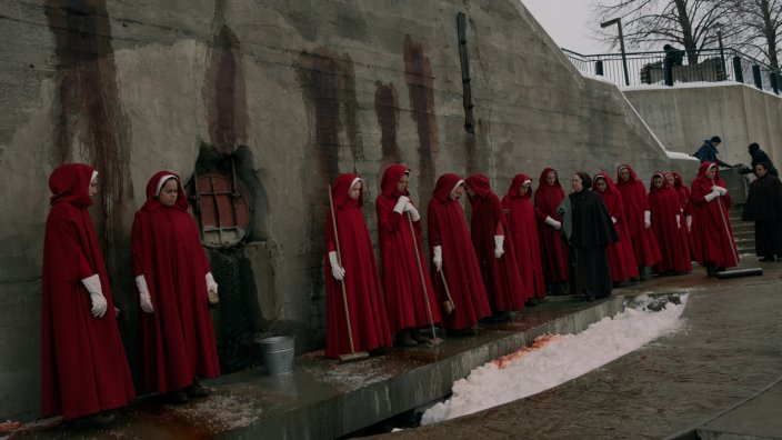 The Handmaid's Tale S1 Ep6 - A Woman's Place