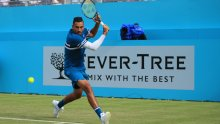 Nick Kyrgios hits two tweeners in one rally at Queen's Club