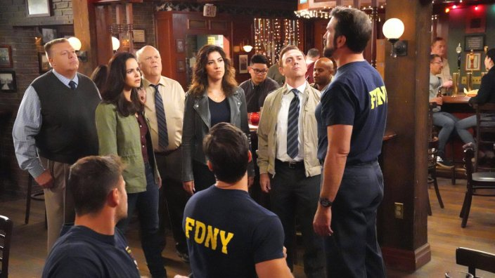 Brooklyn Nine-Nine S6 Ep5 - A Tale Of Two Bandits
